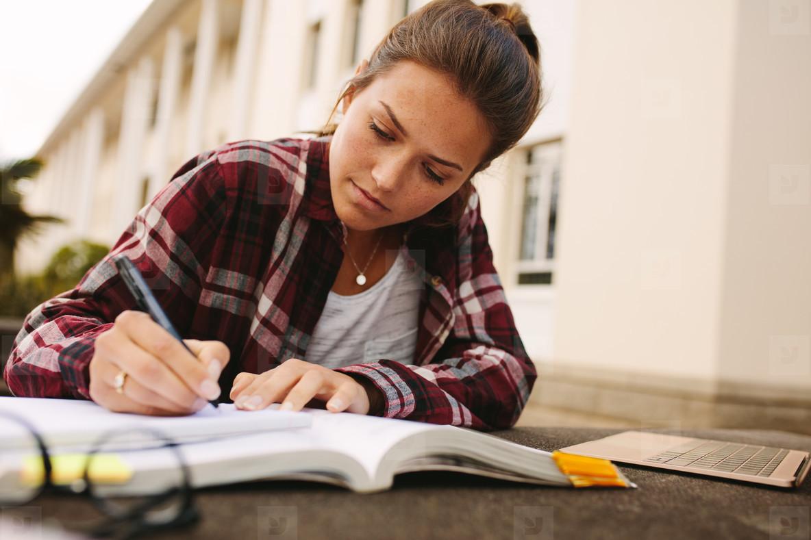 نحوه نگارش پایان نامه دانشگاه به زبان ساده کاربردی